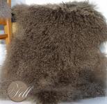 Tibet Lammfell Fallen Rock aus 1,5 Fellen zusammen genäht Taupe 125 x 50 cm 125 x 50 cm