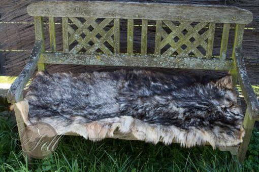Bettvorleger 120x50 cm Beige mit schwarzen Spitzen echtes Ziegenfell gefärbt