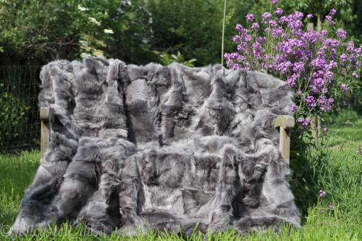 Toscana Lammfelldecke 200x155 cm Frosted Grey Rückseite Leder