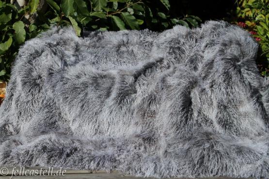 Tibetlamm Lammfelldecke Silbergrau 155x140 cm Patchwork Tibet Lammfell