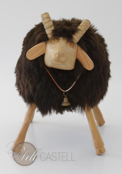 Holzschaf geschnitzt aus Holz mit Fell aus echtem Schaffell Braun