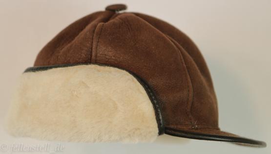 Schirmmütze aus Lammfell braun/creme