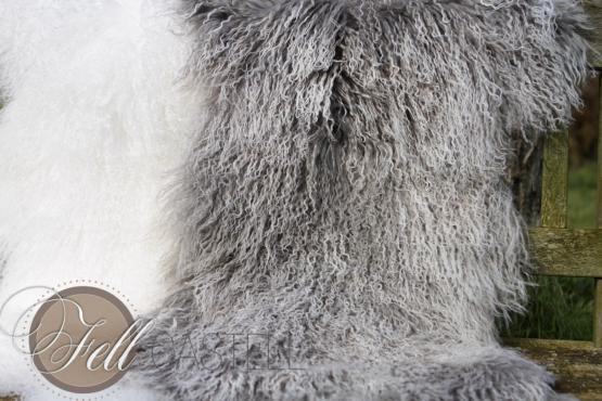 Teppich Tibet Lammfell Silbergrau Decke Tibetfell Grau mit weissen Spitzen