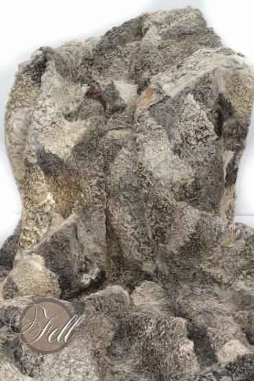 Lammfelldecke gelocktes Lammfell 200 x 155 cm Grau-Töne patchwork
