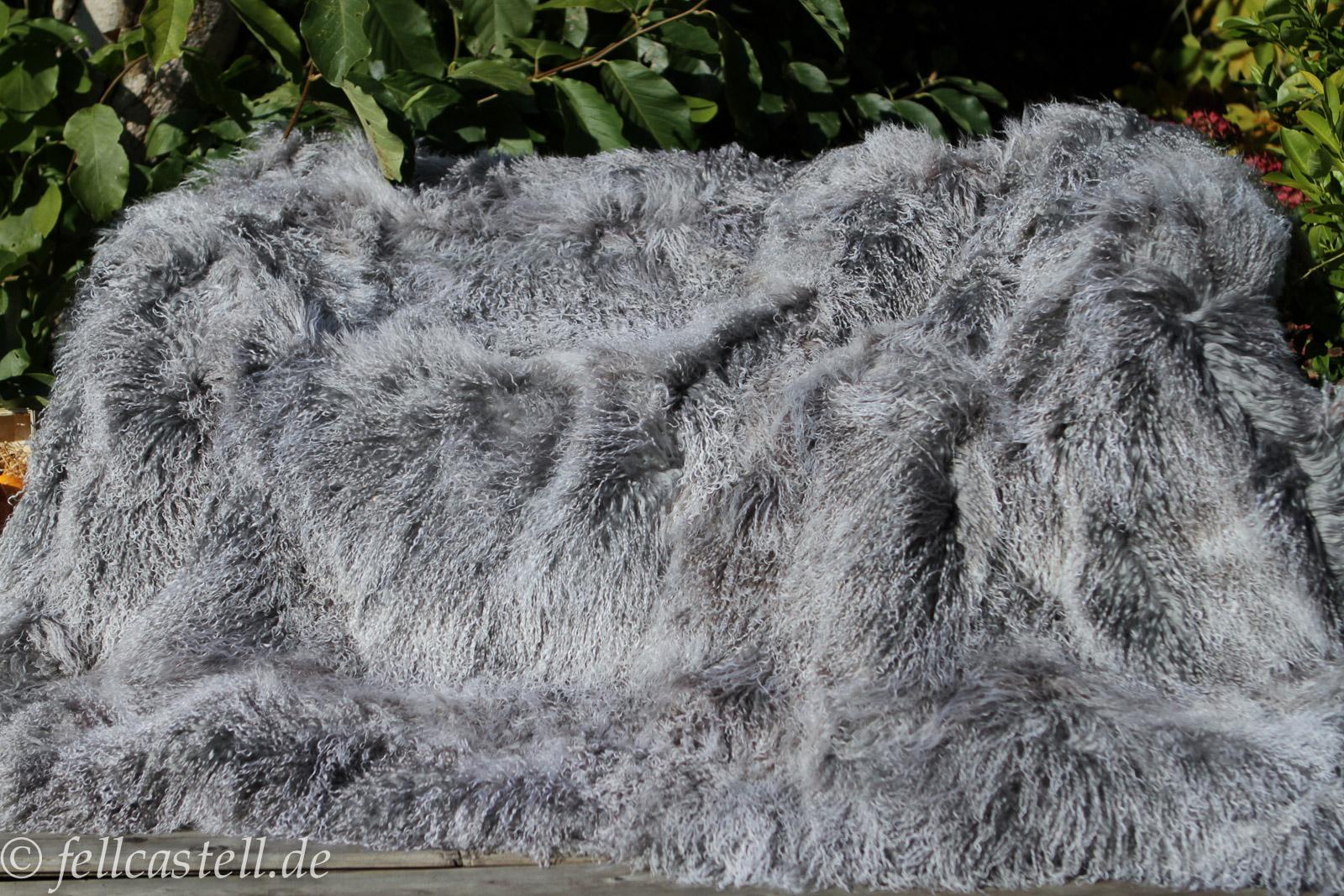 lammfelldecke tagesdecke tibet lammfell silbergrau 200 x. Black Bedroom Furniture Sets. Home Design Ideas
