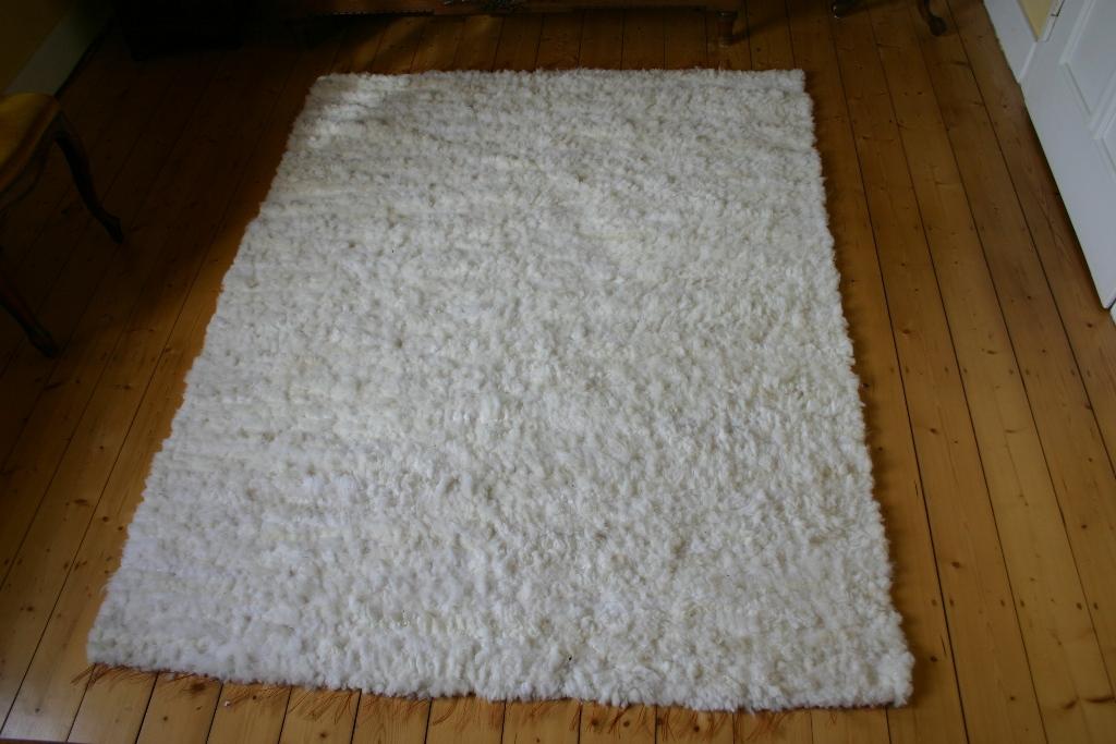 schaffell teppich naturweiss island schaffell gewebt lammfellteppich 200 x 150 cm 200 x 150 cm. Black Bedroom Furniture Sets. Home Design Ideas