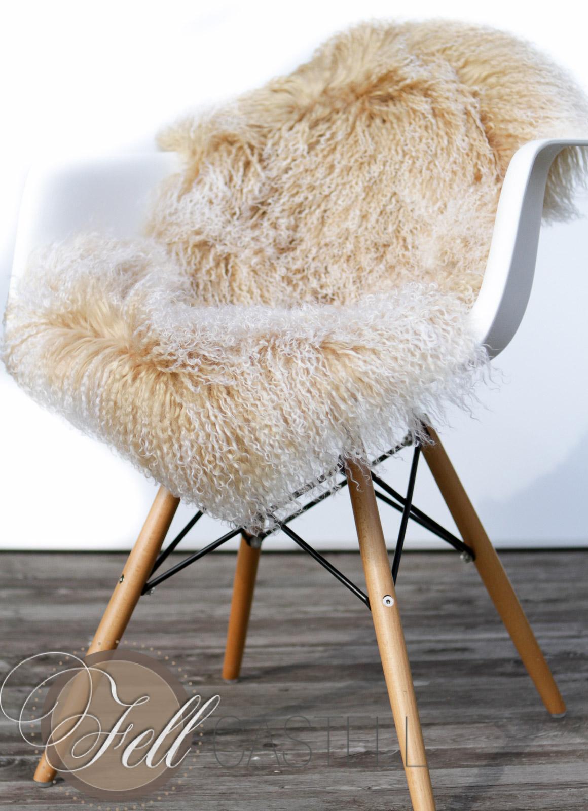 tibet lammfell champagner tibetlammfell tibetlamm fein gelockt lammfell schaffell shop. Black Bedroom Furniture Sets. Home Design Ideas