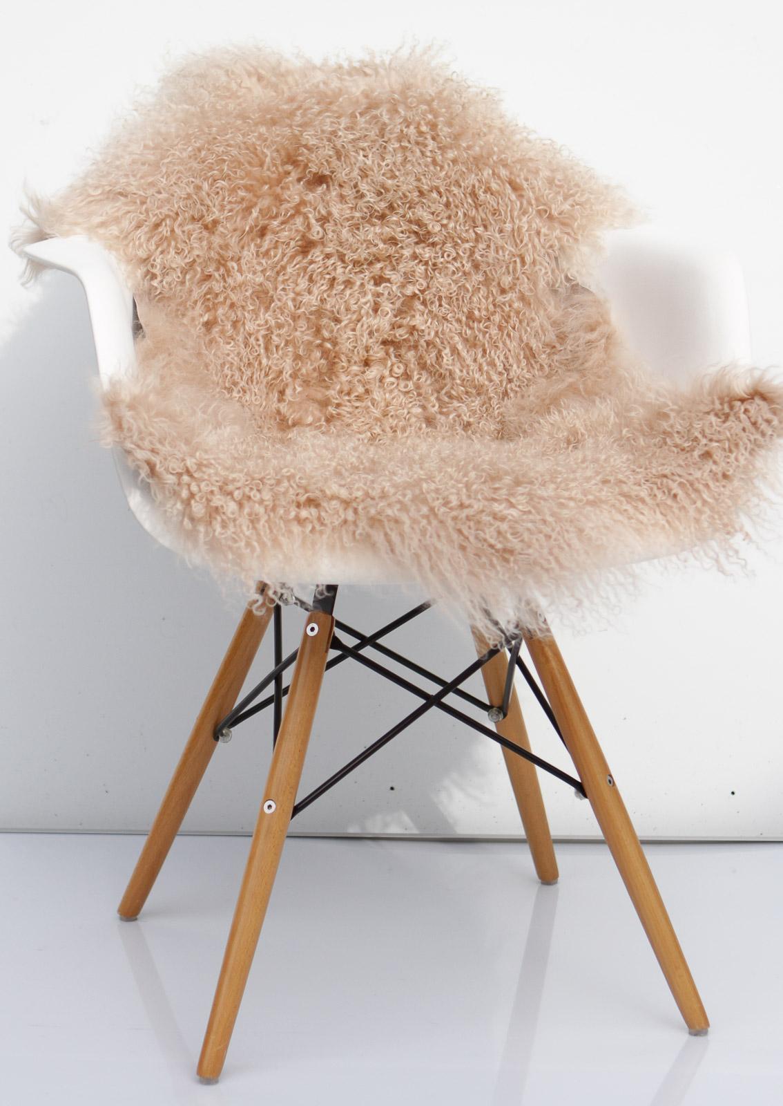 tibet lammfell nudetibetlammfell tibetlamm fein gelockt 90 x 45 cm 90 x 45 cm lammfell. Black Bedroom Furniture Sets. Home Design Ideas