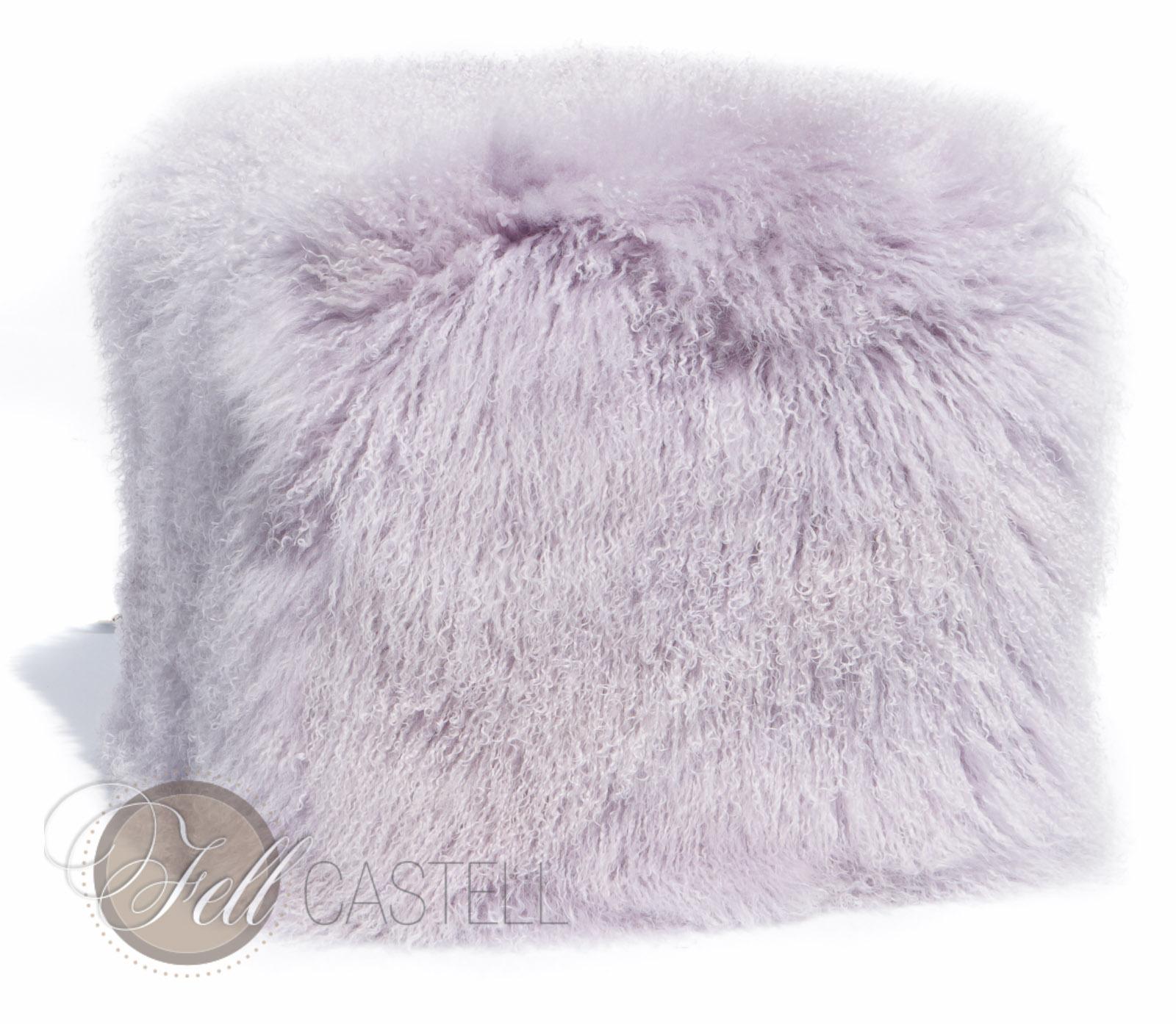 Würfel aus Tibet Lammfell 45x45x45 cm Lavender Fog Tibetlammfell
