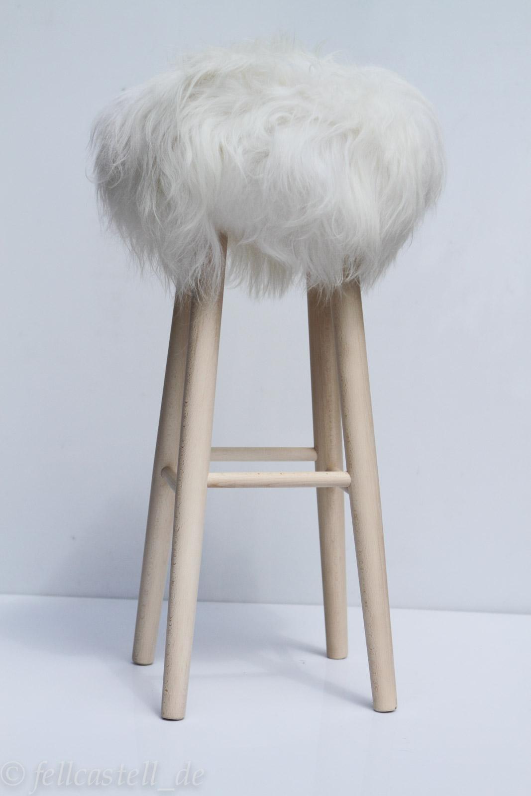 Fellhocker Barhocker mit Bezug aus Island Schaffell ca. 80 cm hoch