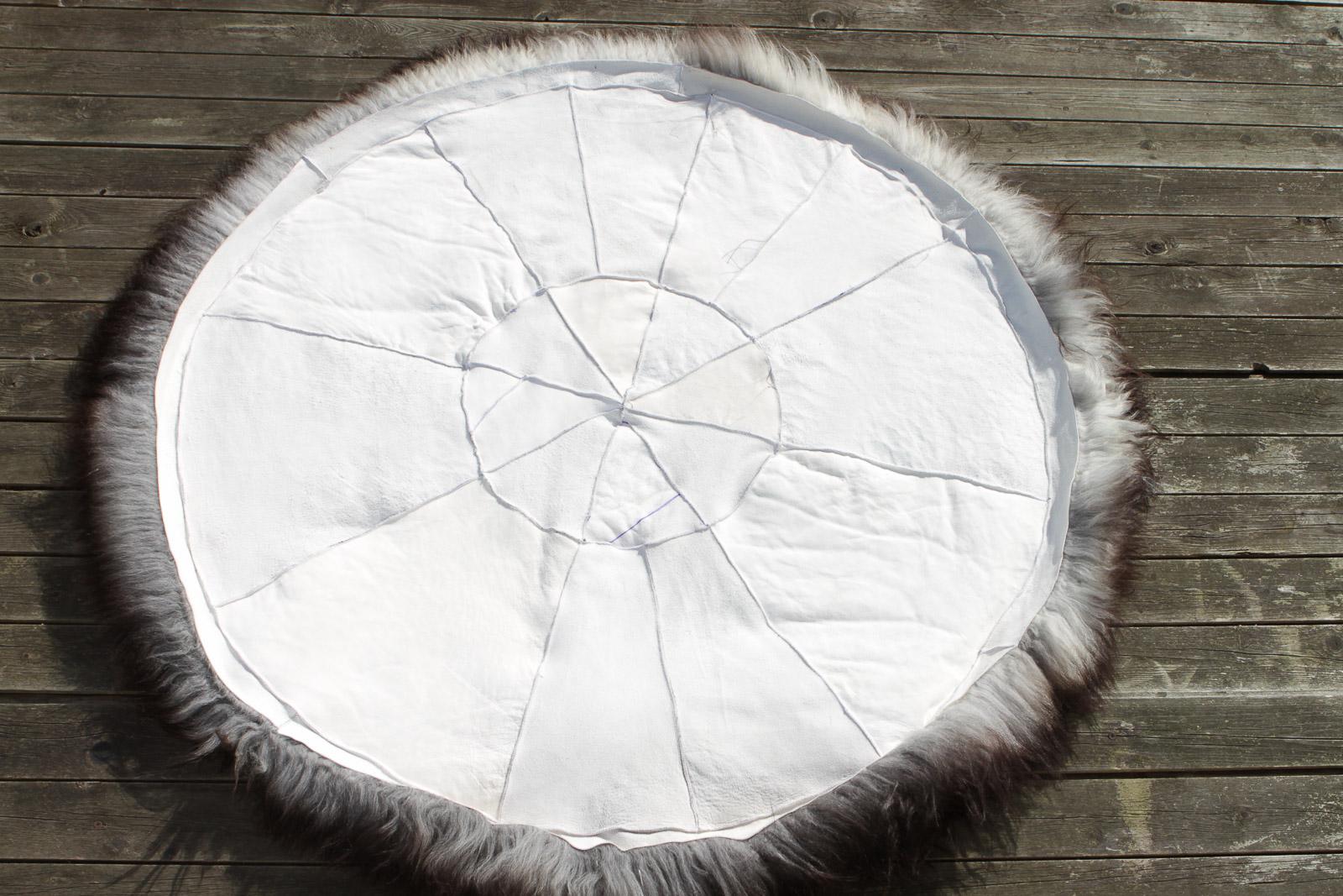 Schaffell Teppich rund 120 cm aus skandinavischen Schaffellen