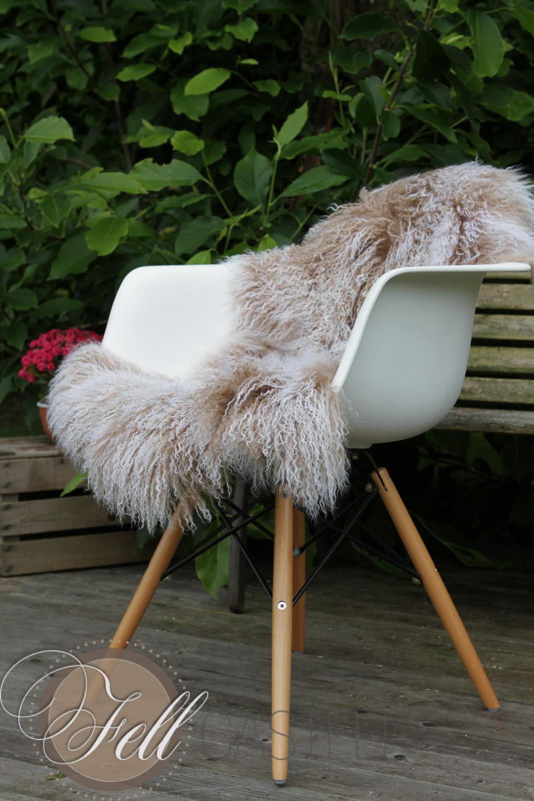 tibet lammfell beige mit weissen spitzen 85 x 45 cm 85 x 45 cm lammfell schaffell shop. Black Bedroom Furniture Sets. Home Design Ideas
