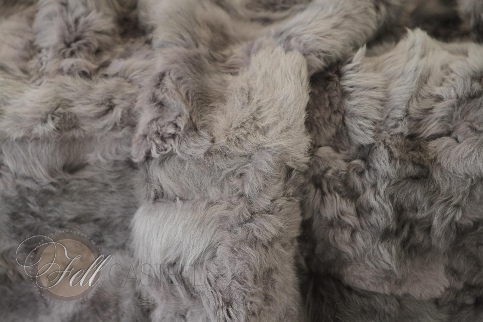 Toscana Lammfell Decke Grau abgefüttert 200x155 cm