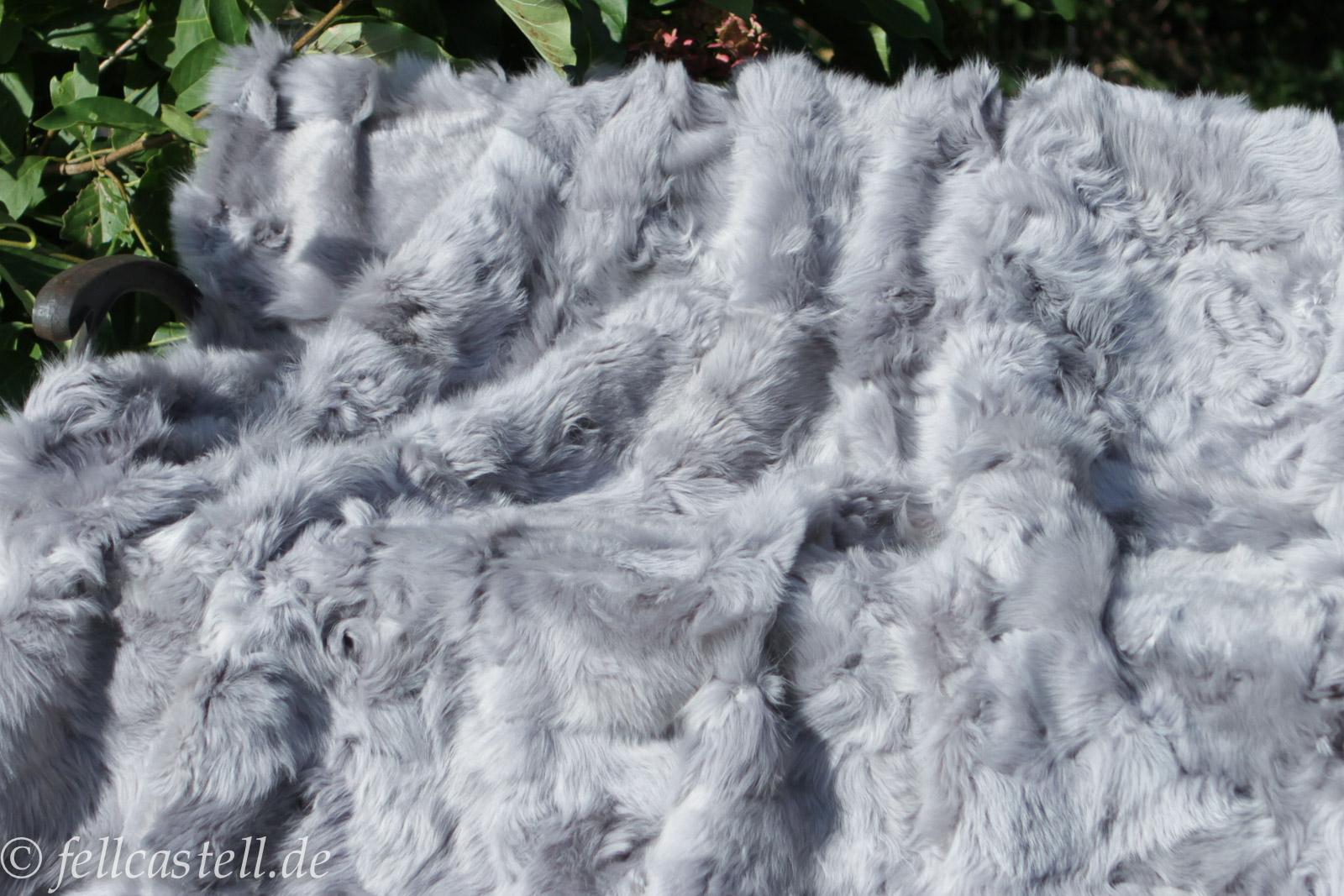 Toscana Lammfelldecke 210x205 cm Hell-Grau abgefüttert