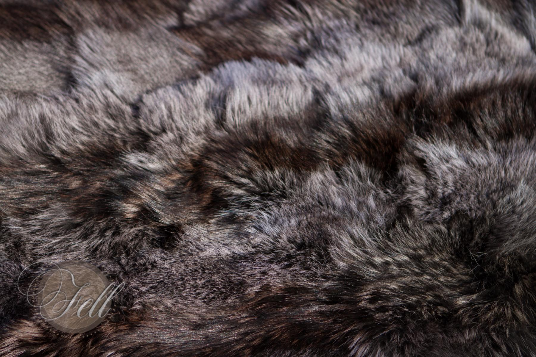 Coyote skin carpet 115x60 cm