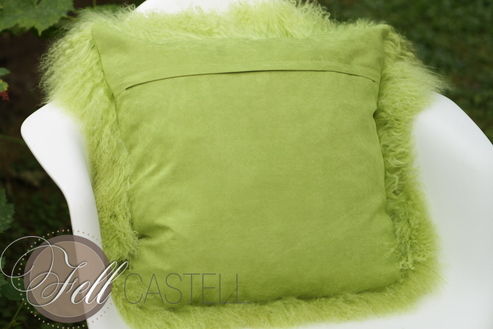 kissen tibetlammfell 40 x 40 cm lime fellkissen tibet. Black Bedroom Furniture Sets. Home Design Ideas