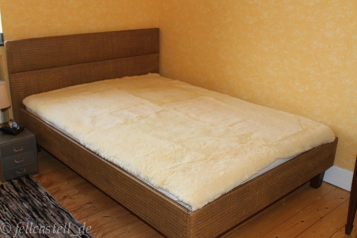 Lammfell Bettauflage Betteinlage Unterbett medizinische Gerbung 180 x 80 cm Vollfell
