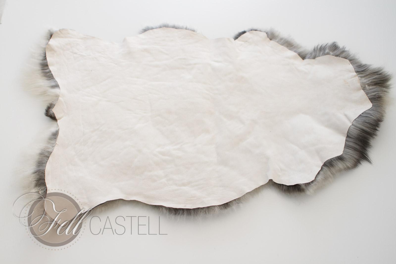 Skandinavisches Schaffell 103 x 70 cm ungefärbt