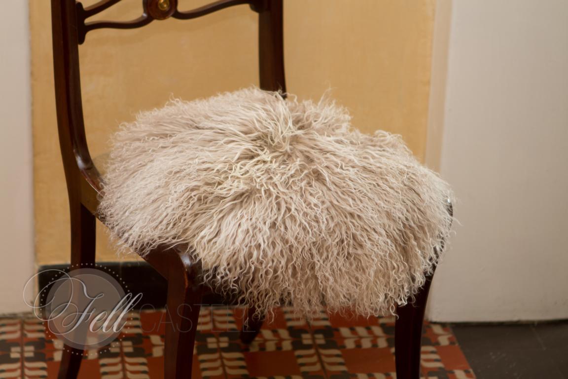 Stuhlauflage aus Tibetlammfell rund ungepolstert Ø 38 cm