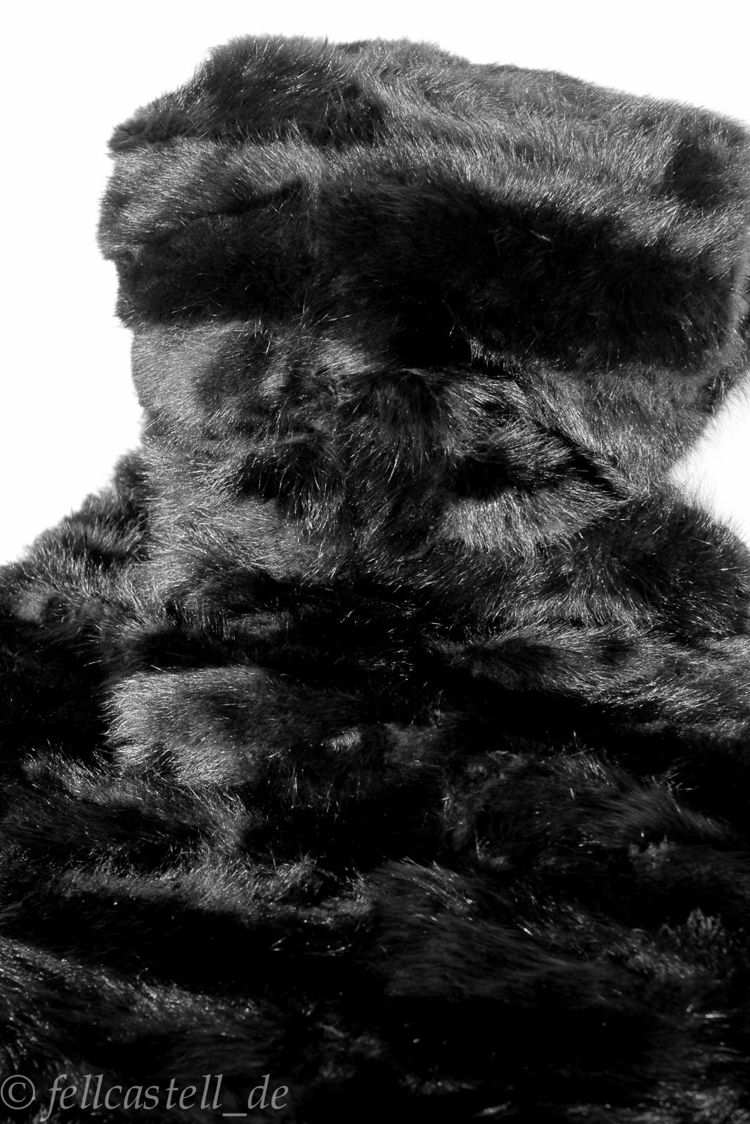 Waschbär Pelzdecke 200x200 cm schwarz gefärbt Patchwork