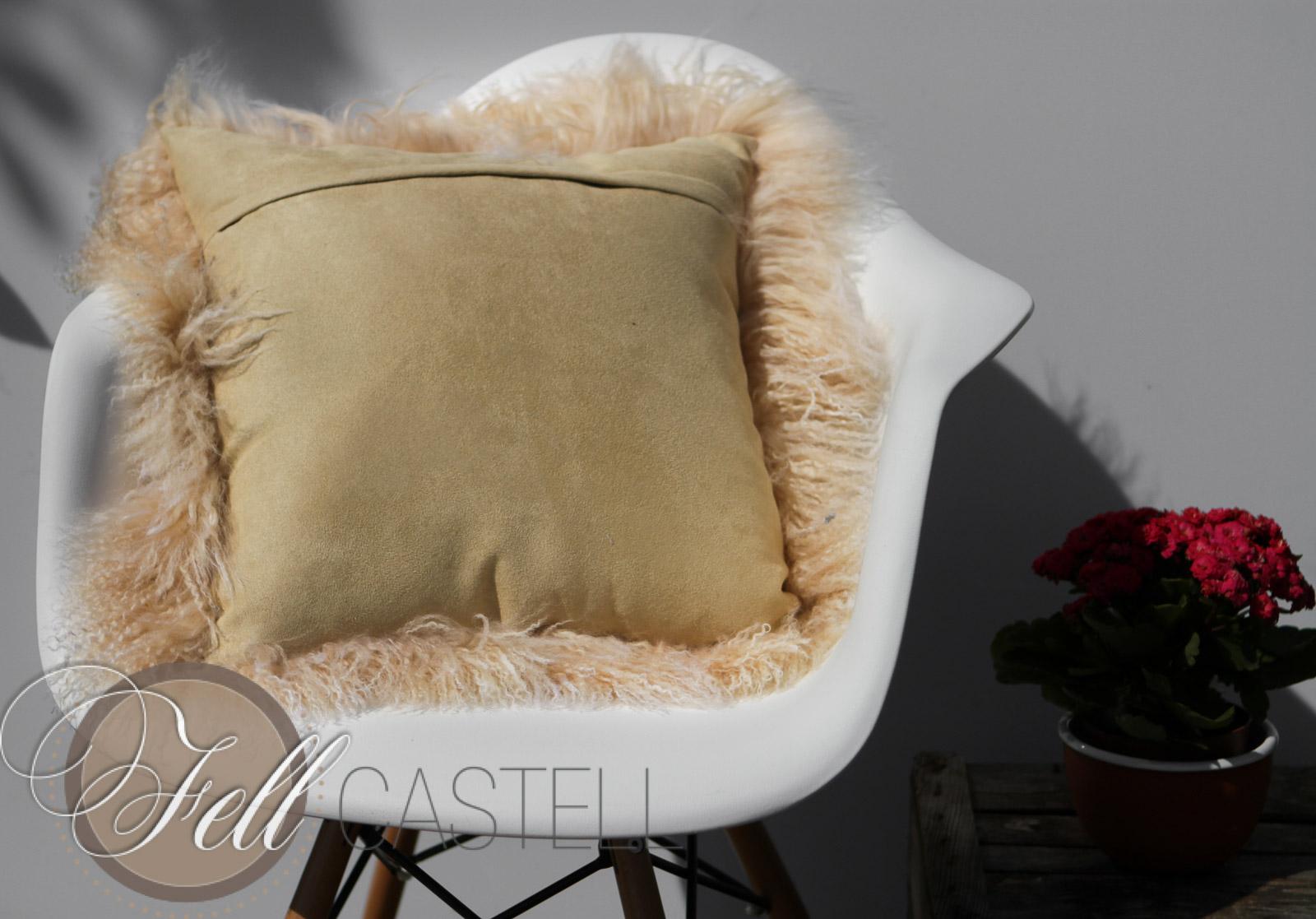 fellkissen kissen aus tibetlammfell champagner. Black Bedroom Furniture Sets. Home Design Ideas
