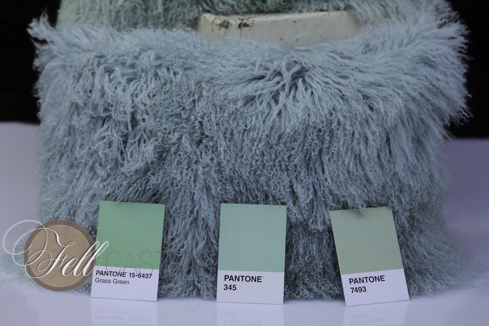 Kissen aus Tibetlammfell harbor green 40 x 40 cm