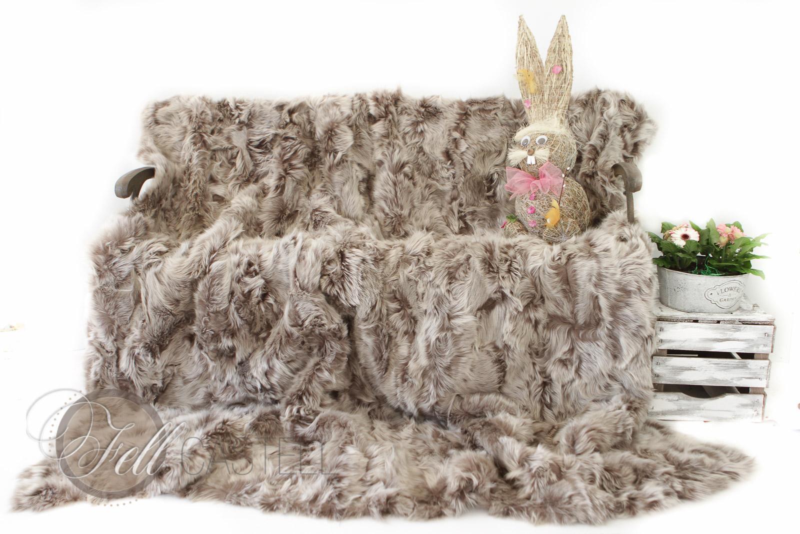 Lammfell Decke 225x210 cm Patchwork Taupe mit Snow Tops abgefüttert