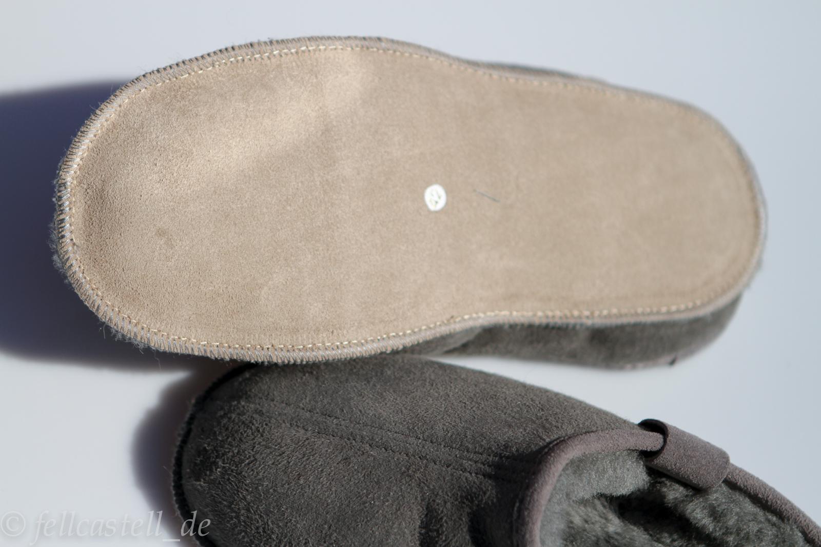 lammfell hausschuhe schlappen grau lammfellschuhe pantoffeln. Black Bedroom Furniture Sets. Home Design Ideas