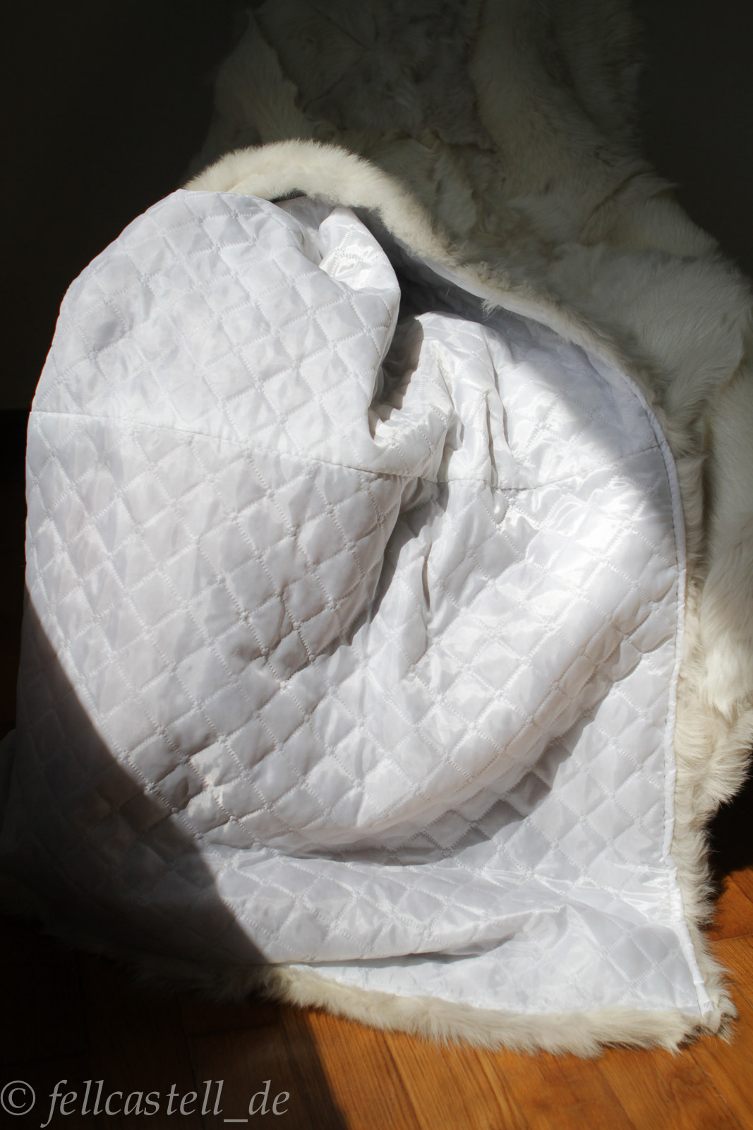 felldecke toscana lammfell wei 200 x 155 cm abgef ttert lammfell schaffell shop. Black Bedroom Furniture Sets. Home Design Ideas