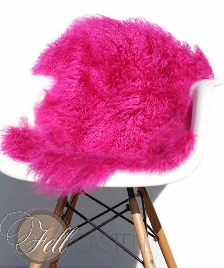 echtes tibet lammfell schaffell mongolisches lammfell ca 95x55 cm hot pink. Black Bedroom Furniture Sets. Home Design Ideas